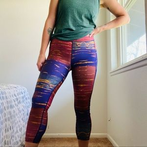 WW // High Rise Cropped Colorful Legging